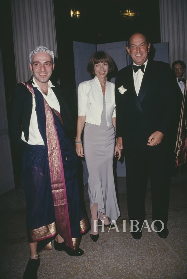 Met Gala John Galliano、安娜・温图尔 (Anna Wintour) 、Oscar de laRenta合照
